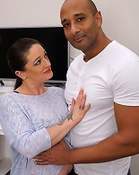 This housewife goes interracial